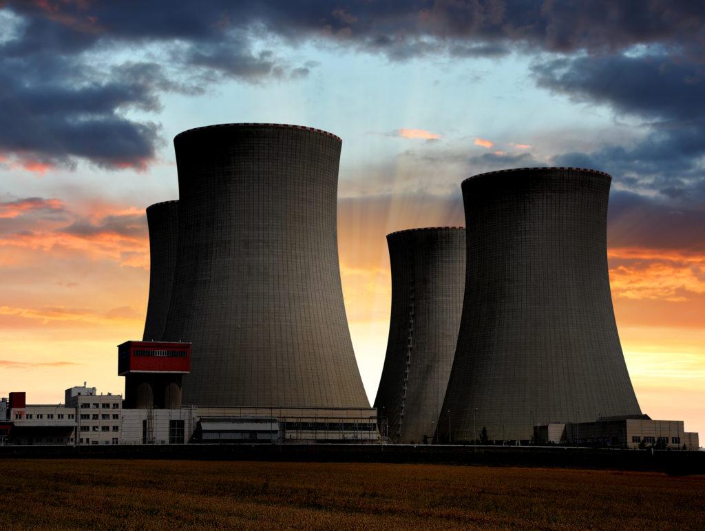 『核燃料再処理工場゛合格゛』